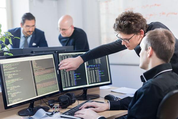 Konsultacje programistów podczas pracy