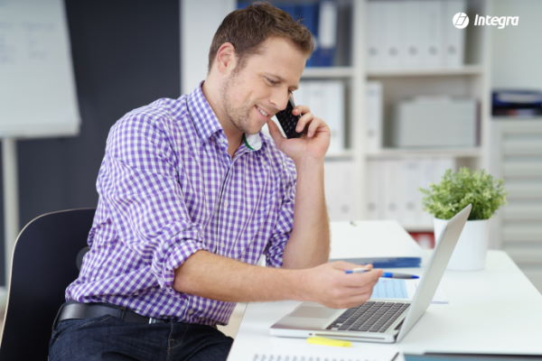 Praca specjalisty ds. sprzedaży systemów ERP